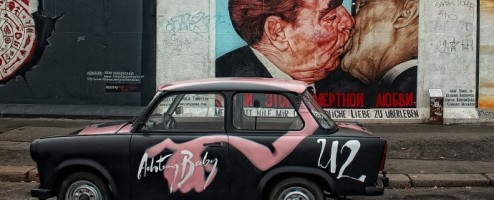 10 Great Escapes Across The Berlin Wall