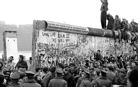 Flip Schulke: Photographer who links US civil rights movement to Berlin Wall